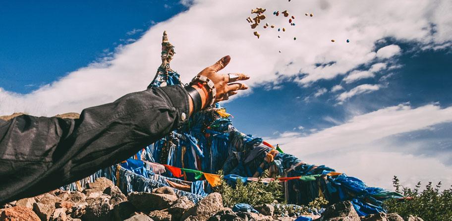 Wanderungen Mongolei Stupa Berggipfel